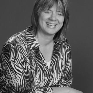 Iris Hanousek-Mader
