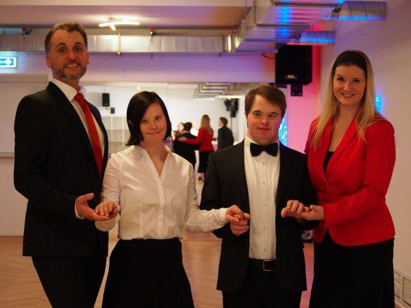 Inklusion tanzt Hand in Hand mit Tradition: Debütantenpaar mit Down Syndrom eröffnet den 62. Wiener Opernball
