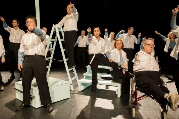 BLAUMEIER macht Theater mit LES GROOMS – EIN FUSS IM SAXOPHON NO.4: DIE KUNST DES SCHEITERNS