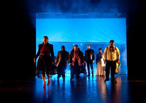 Theater Reutlingen Die Tonne: LIEBE DANN DEN NÄCHSTEN